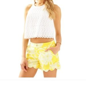 Lilly Pulitzer Buttercup Scallop Shorts. Size 6.
